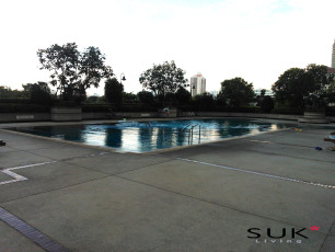 Centre Point Residence Phromphongのプールの写真01