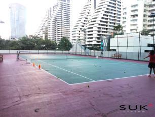Centre Point Residence Phromphongのテニスコートの写真01