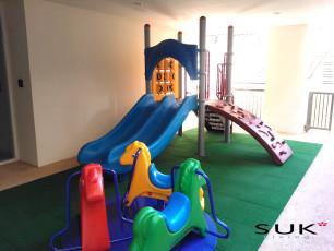 NSレジデンスの子供の遊び場の写真01
