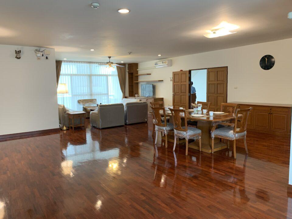 Aramvej Apartment 2 | アラムヴェート アパートメント 2